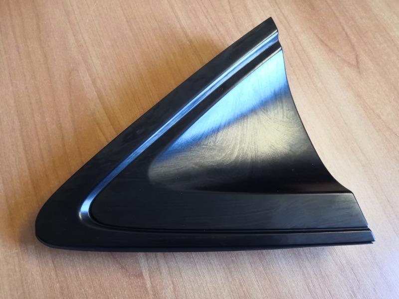 Уголок крыла Honda Vezel RU1 L15B задний левый (б/у)