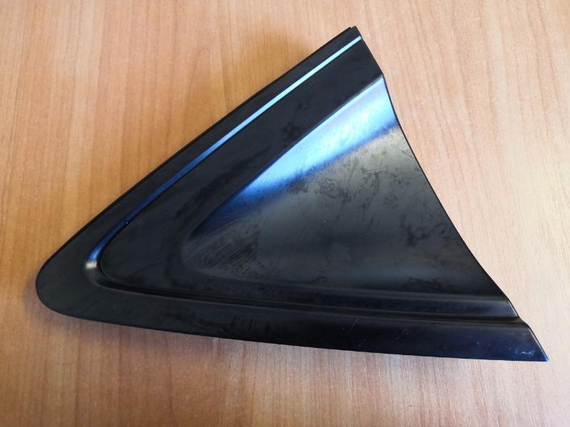 Уголок крыла Honda Vezel RU1 L15B задний правый (б/у)