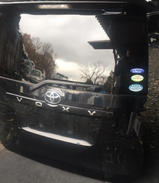 Дверь 5-я Toyota Voxy ZRR70 3ZR (б/у)