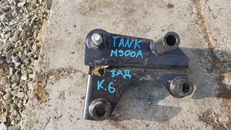 Крепление подушки двигателя Toyota Tank M900A 1KR 2019 заднее (б/у)