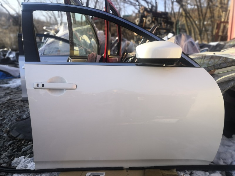 Дверь Nissan Skyline V36 передняя правая (б/у)