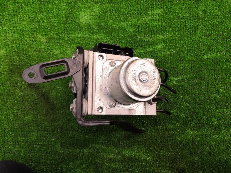 Блок abs Honda Vezel RU1 L15B (б/у)