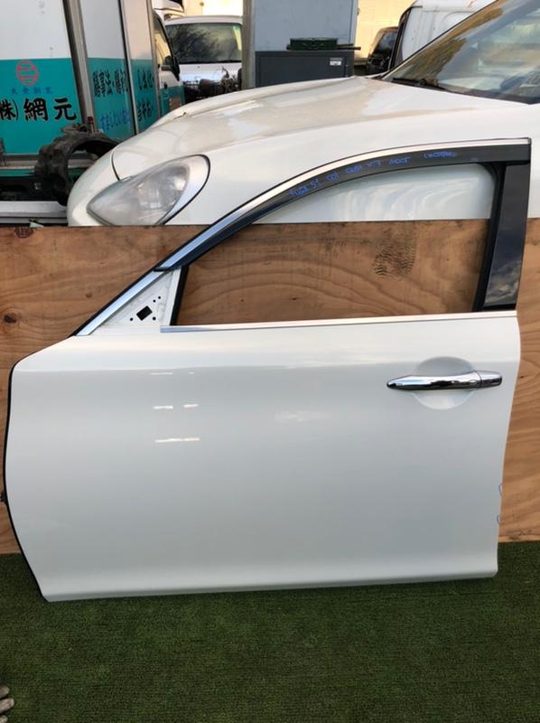 Дверь Nissan Fuga KNY51 передняя левая (б/у)