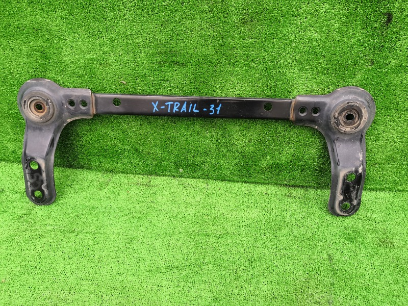 Балка Nissan X-Trail NT31 MR20 передняя (б/у)