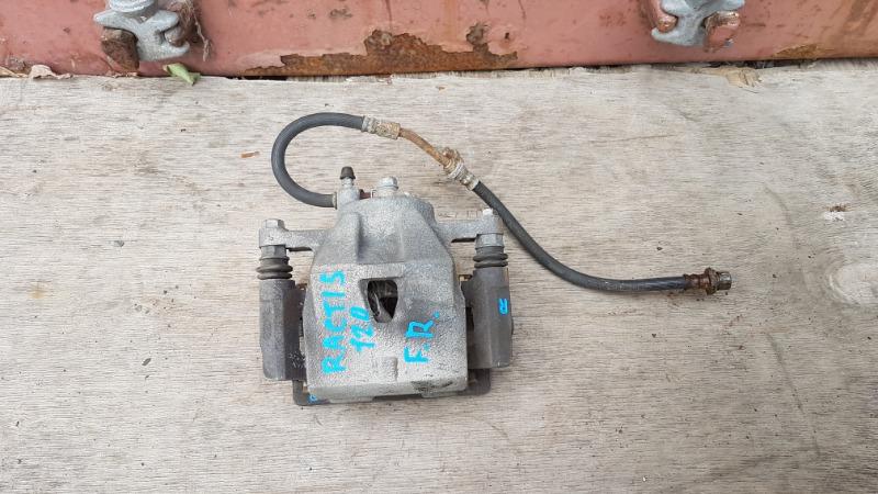 Суппорт тормозной Toyota Ractis NCP120 1NZ 2011 передний правый (б/у)