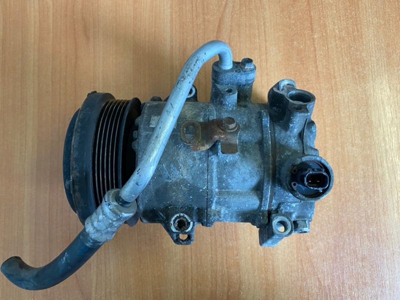 Компрессор кондиционера Toyota Voxy ZRR70 3ZR-FE 2011 (б/у)