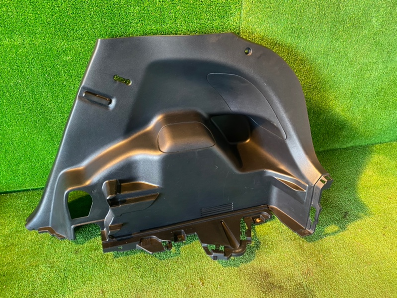 Обшивка багажника Toyota Vitz KSP130 1NZ-FE задняя правая (б/у)
