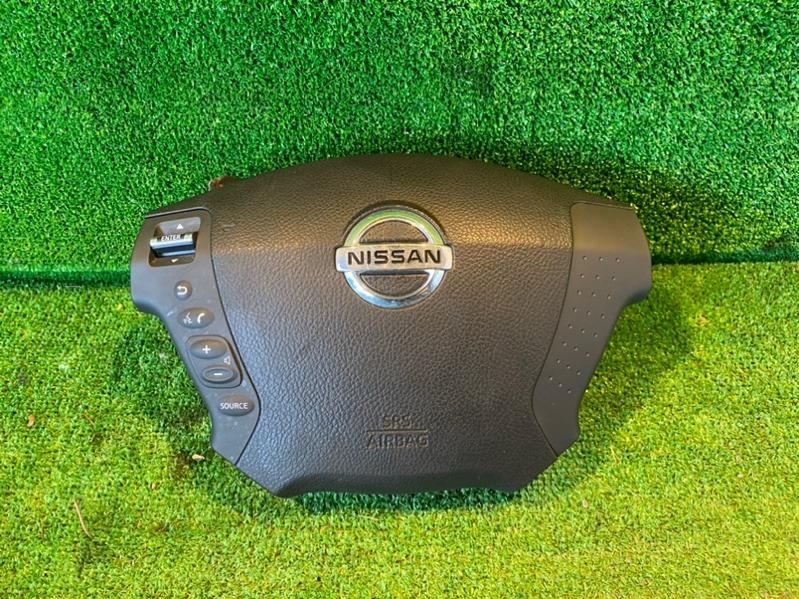 Airbag водительский Nissan Fuga Y50 (б/у)