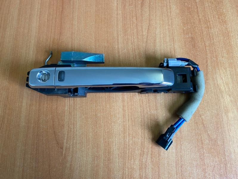 Ручка двери внешняя Nissan Serena HFC26 (б/у)