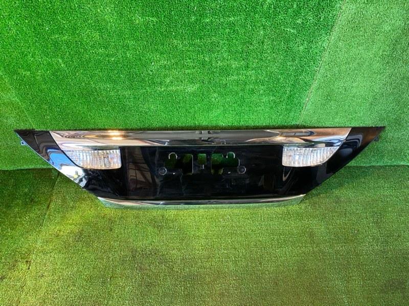 Накладка 5-й двери Toyota Alphard GGH20 (б/у)
