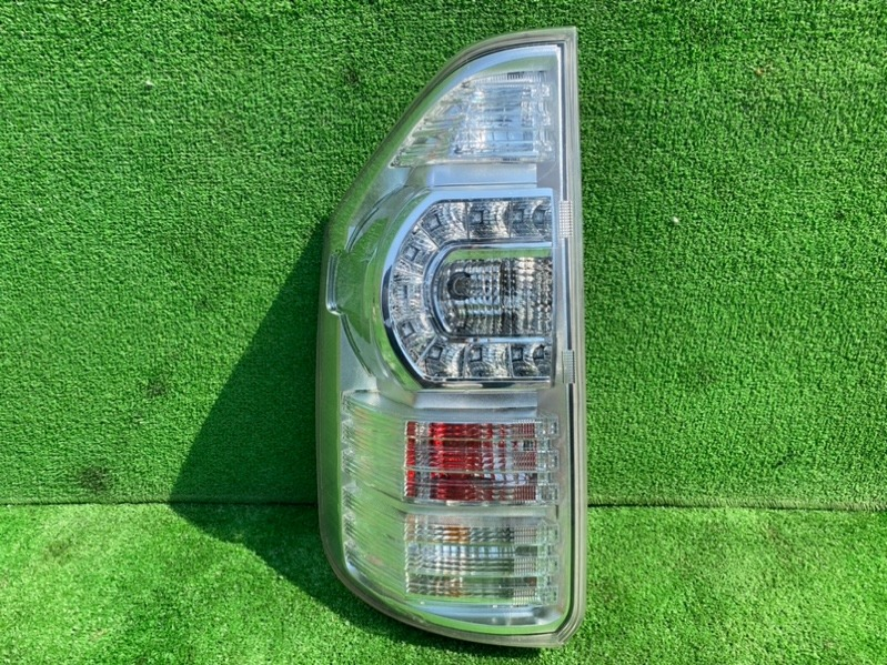Стоп-сигнал Toyota Voxy ZRR70 2011 задний левый (б/у)