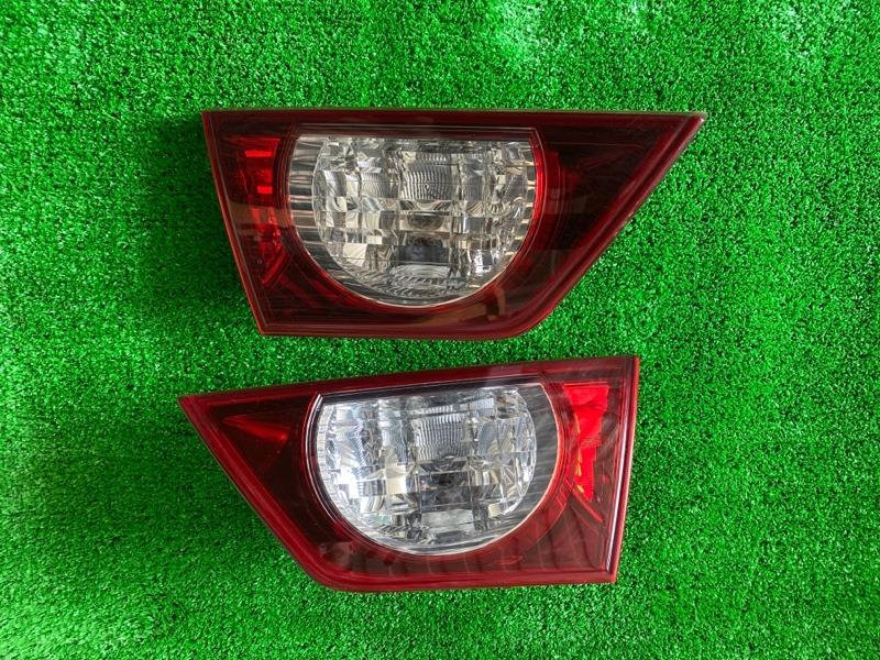 Вставка между стопов Toyota Mark X GRX130 2010 левая (б/у)