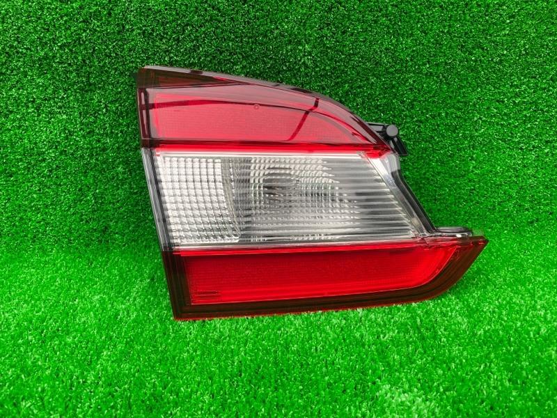 Вставка между стопов Subaru Levorg VM4 задняя левая (б/у)