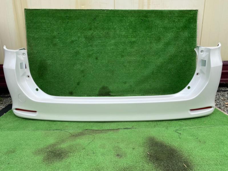 Бампер Toyota Voxy ZRR70 задний (б/у)