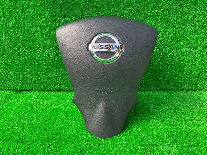 Airbag водительский Nissan Note E12 HR12DE (б/у)
