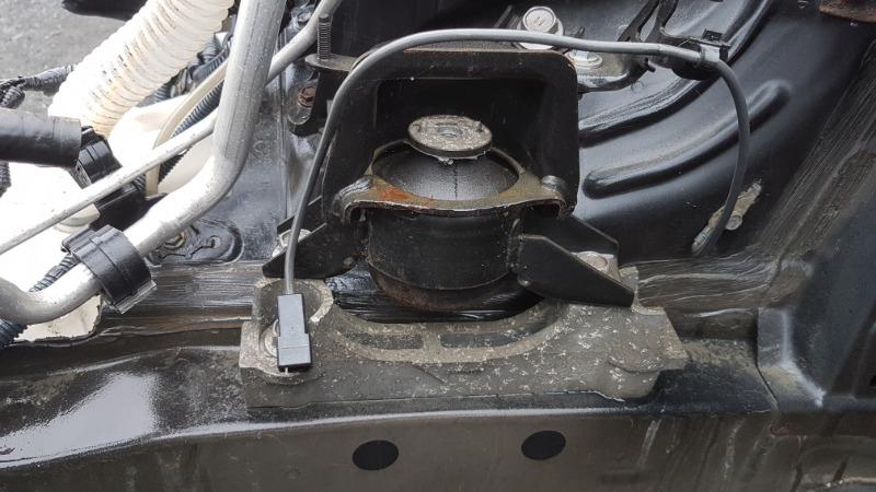 Подушка двигателя Toyota Vanguard ACA31 2AZ 2008 передняя правая (б/у)