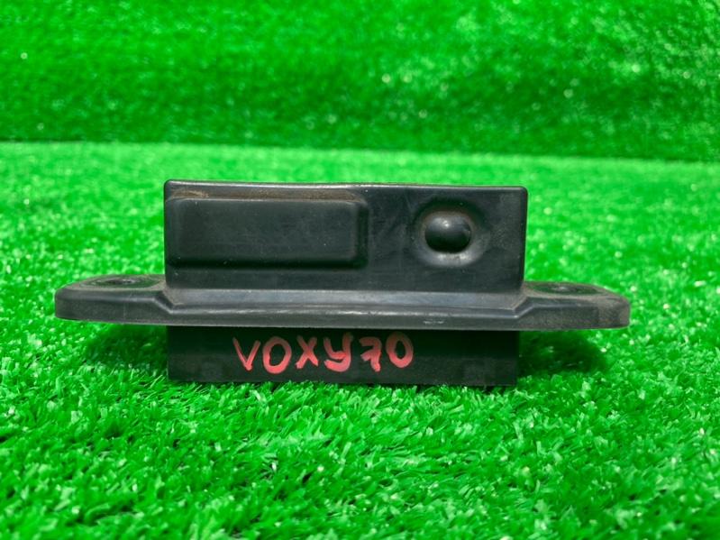 Ручка двери задней Toyota Voxy ZRR70 (б/у)