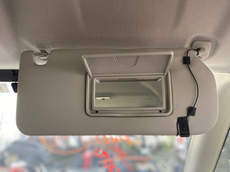 Козырек солнцезащитный Suzuki Solio MA36S передний правый (б/у)