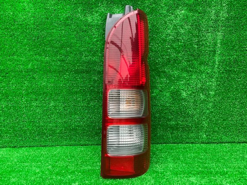 Стоп-сигнал Toyota Hiace KDH202L задний правый (б/у)