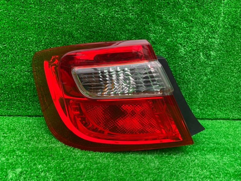 Стоп-сигнал Toyota Camry ASV50 задний левый (б/у)