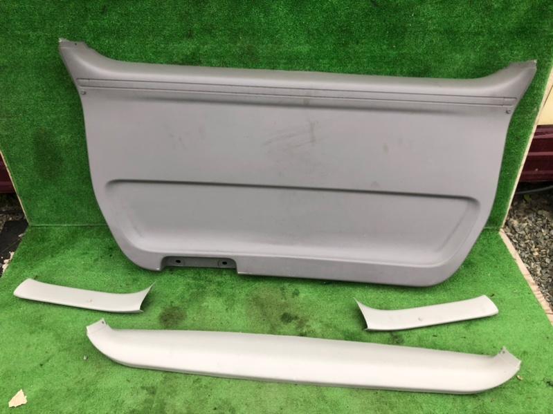 Обшивка двери багажника Toyota Alphard ANH15 (б/у)