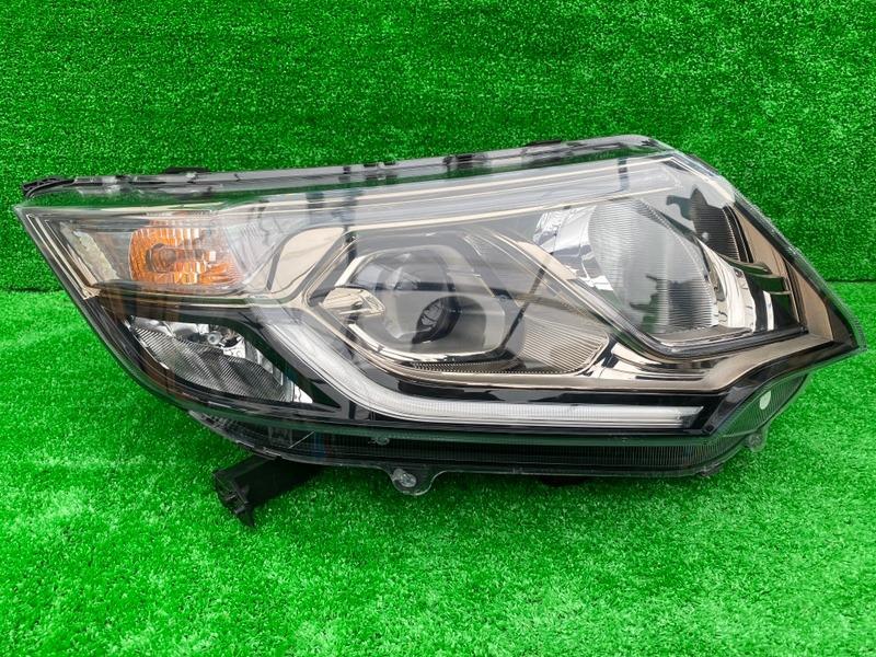 Фара Honda Stepwgn RP1 LFA передняя правая (б/у)