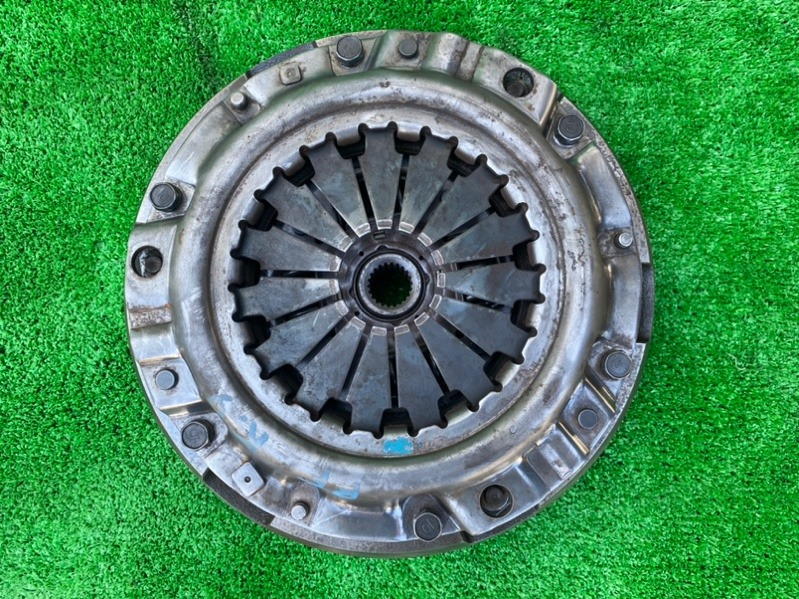 Корзина сцепления+диск Mazda Bongo SKF2M RFTE (б/у)