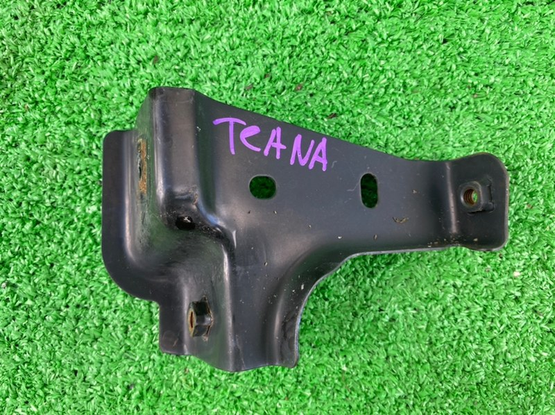 Крепление бампера Nissan Teana L33 QR25DE переднее правое (б/у)