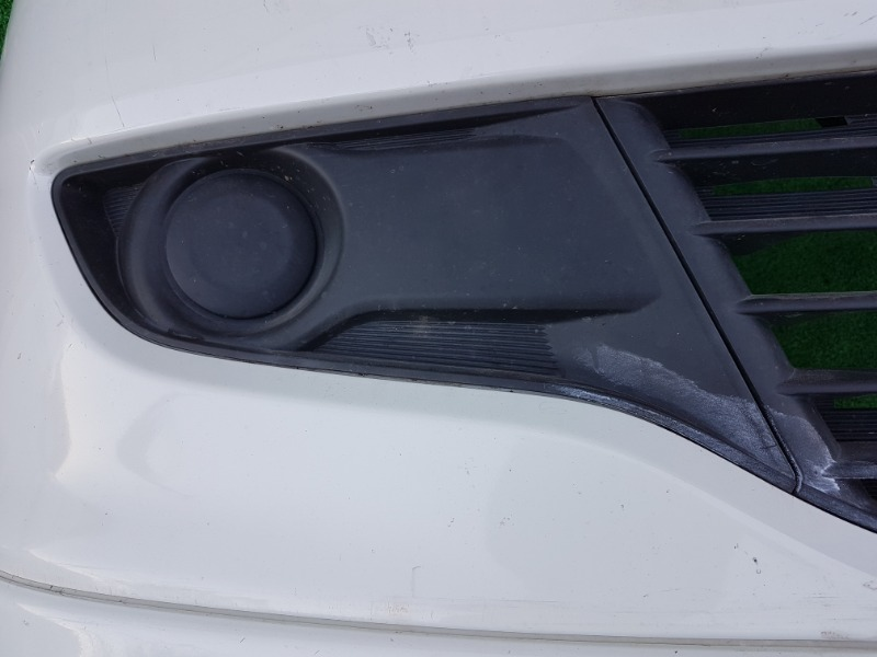 Заглушка бампера Mitsubishi Delica D:2 MB15S K12B 2012 передняя правая (б/у)