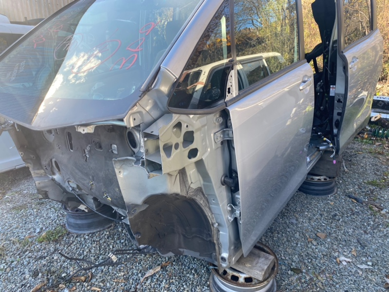 Стойка кузова Toyota Noah ZRR80 3ZR-FAE передняя левая (б/у)