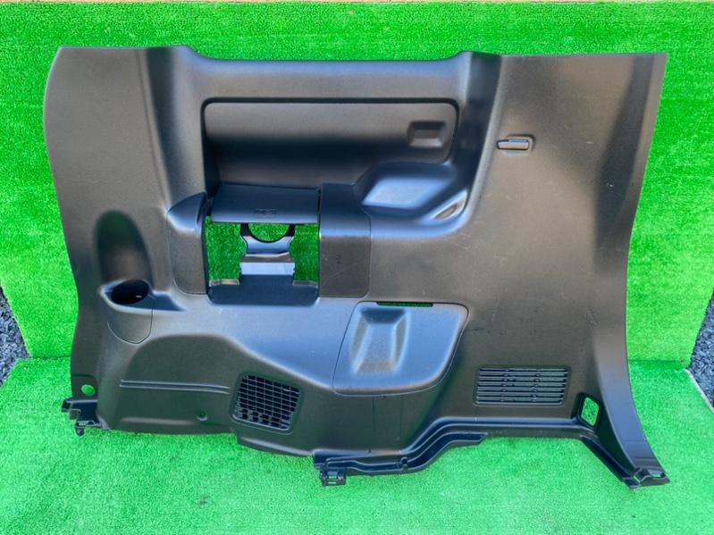 Обшивка багажника Toyota Noah ZRR80 3ZR-FAE задняя правая (б/у)