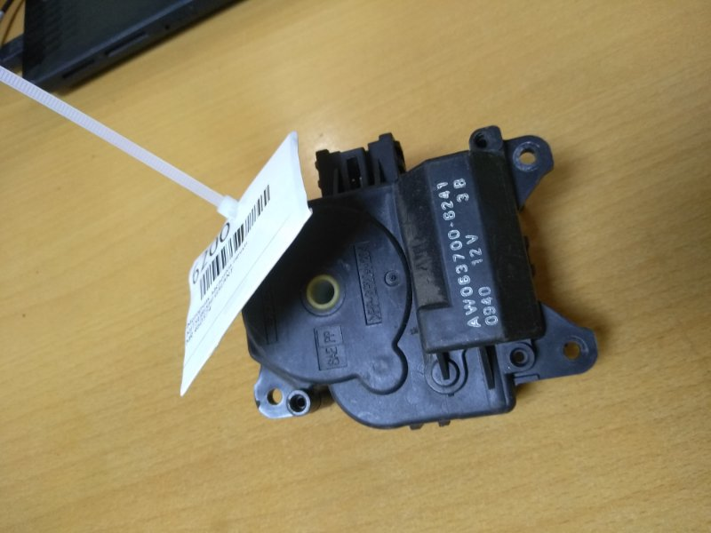 Моторчик заслонки печки Mitsubishi Galant EA1A 4G64GDI 1996 (б/у)