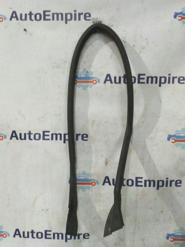 Уплотнительная резинка Mitsubishi Eclipse D53A 6G72 2002 передняя правая (б/у)