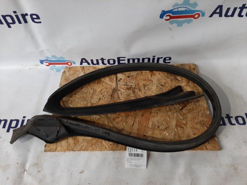 Уплотнительная резинка Dodge Stratus 4G64 2003 передняя левая (б/у)