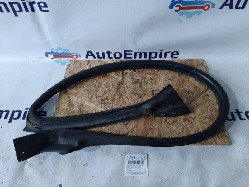Уплотнительная резинка Dodge Stratus 4G64 2003 передняя правая (б/у)