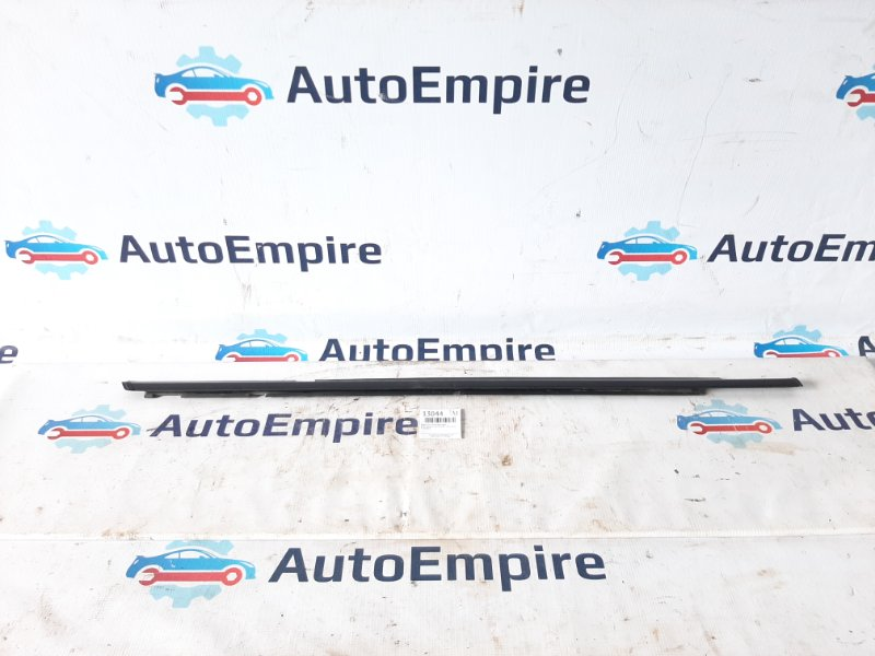Бархотка стекла Mitsubishi Lancer CY3A 4B10 2008 задняя правая (б/у)