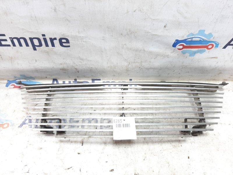 Решетка радиатора Mitsubishi Airtrek CU2W 4G63T 2002 (б/у)