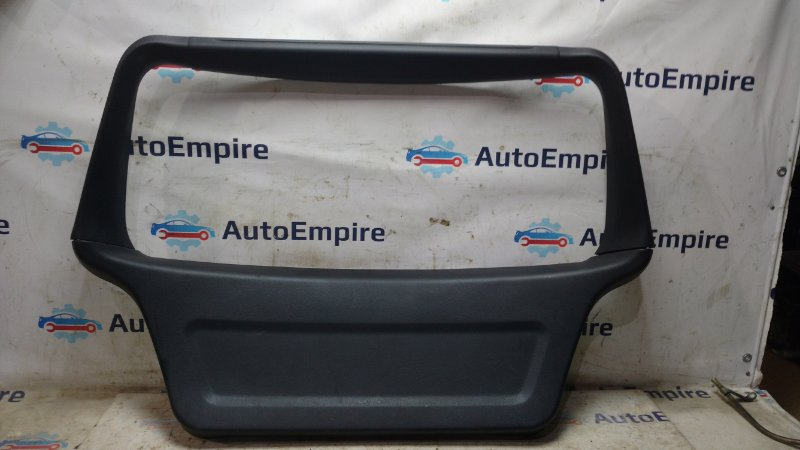 Обшивка крышки багажника Mitsubishi Airtrek CU5W 4G69 2004 (б/у)