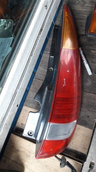 Стоп-сигнал Nissan Tino V10 HV10 1997 задний правый (б/у)