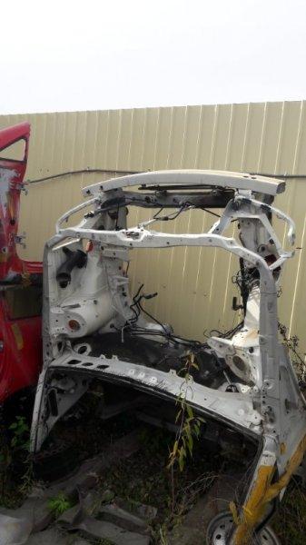 Передняя часть автомобиля Toyota Harrier 10 (б/у)