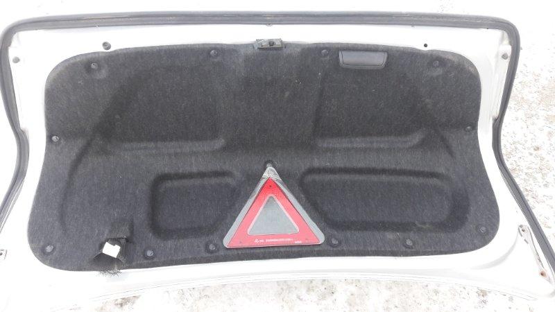 Обшивка крышки багажника Toyota Crown GRS180 2006г. задняя (б/у)