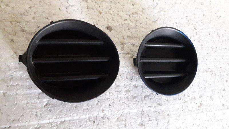Заглушки в бампер, пара Toyota-L Corolla Spacio NZE120 2001 передние (б/у)