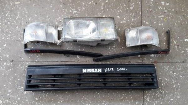 Фара Nissan Caravan ARMGE24 2000 передняя (б/у)