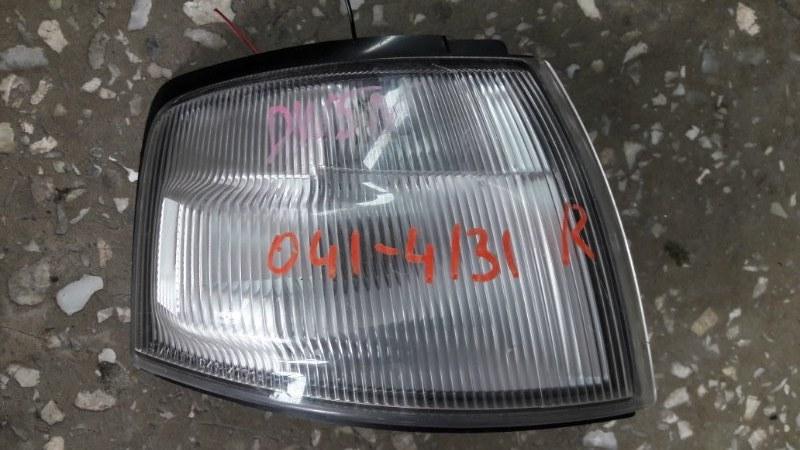 Габарит Mazda Demio DW3W 1997 передний правый (б/у)