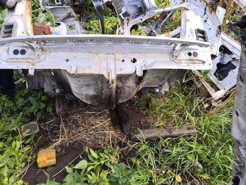 Задняя часть автомобиля Honda Mobilio Spike GK1 2002 задняя (б/у)