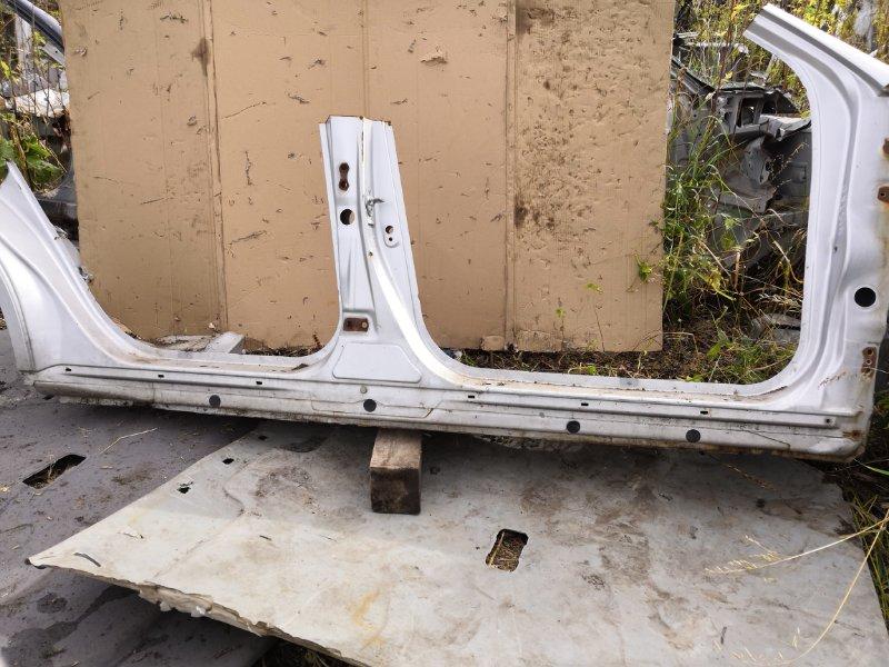 Порог Toyota Vista SV50 2000 правый (б/у)
