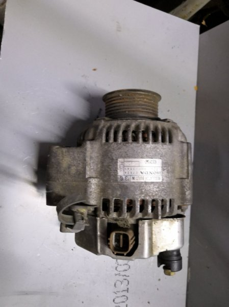 Генератор Honda Stream RN1 D17A 2000 (б/у)