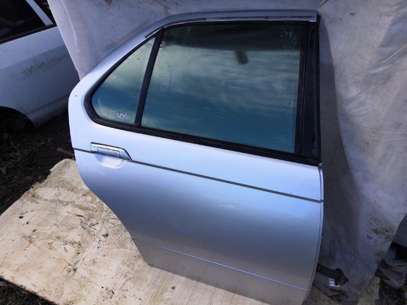 Дверь Nissan Bluebird EU14 1996 задняя правая (б/у)