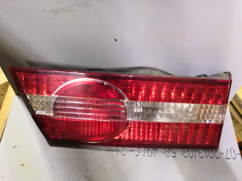 Фонарь задний Toyota Vista SV50 2000 задний левый (б/у)