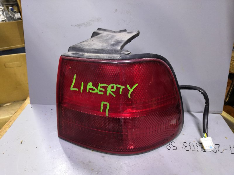 Стоп-сигнал Nissan Liberty PM12 1998 задний правый (б/у)